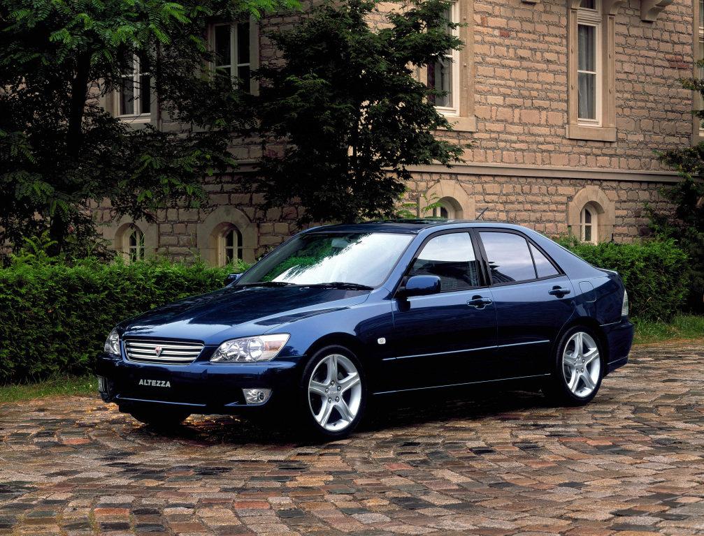 Toyota Altezza фото